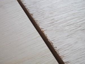 superfície da madeira rugosa, antes da lixa 200