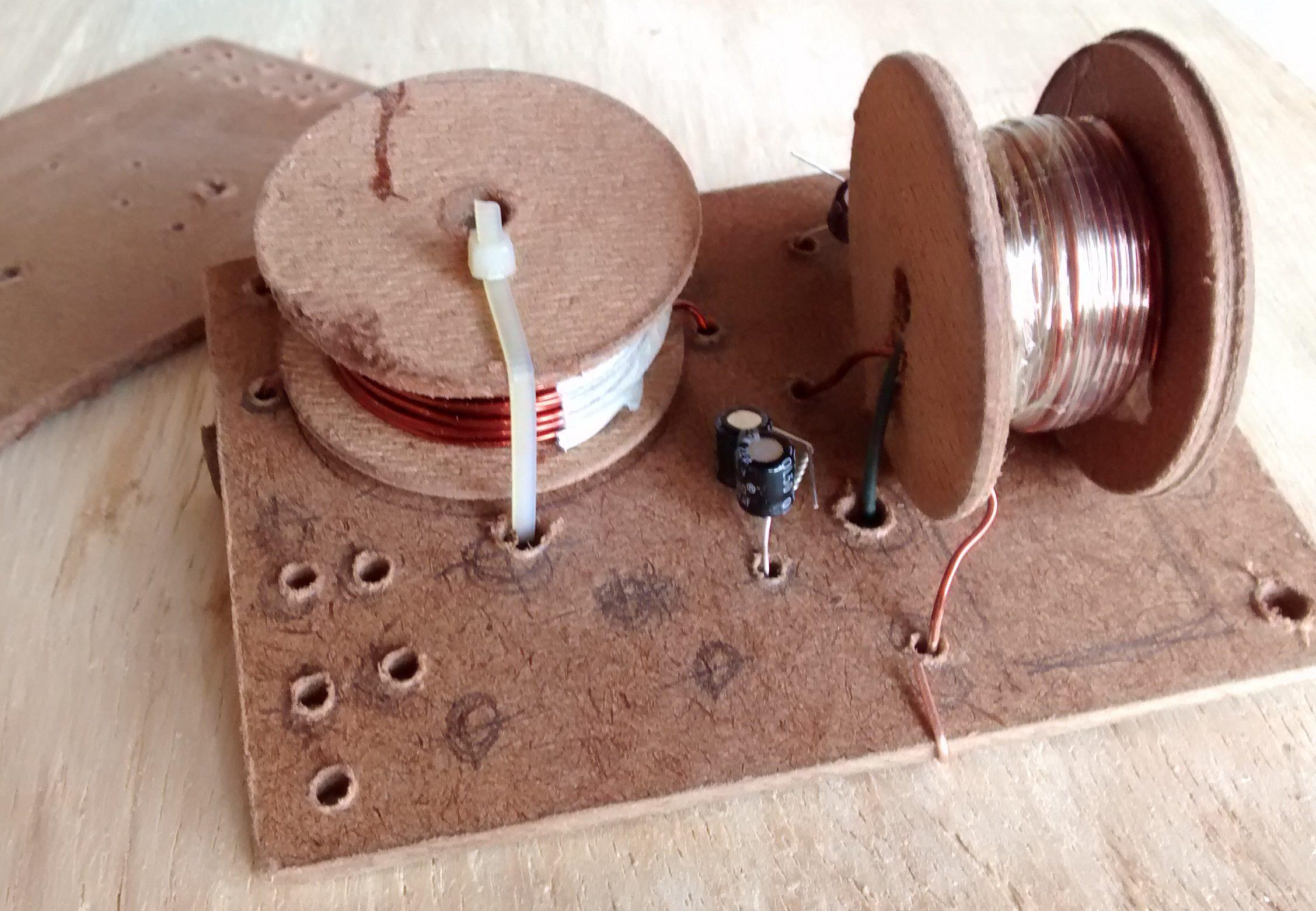 Imagem de bobinas de um divisor de frequencias